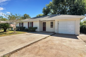 1205 Alamo Ave 3 Beds House for Rent Photo Gallery 1
