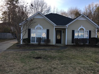 162 Cedar Bend Dr 3 Beds House for Rent Photo Gallery 1