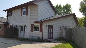 2218 N Rapids Road 1-2 Beds Apartment for Rent Photo Gallery 1