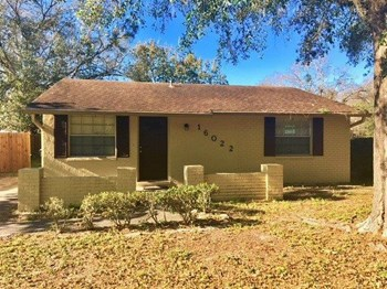 16022 Saddle Creek Dr 2 Beds House for Rent Photo Gallery 1