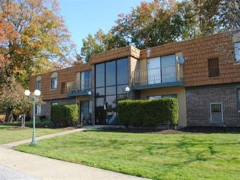 34188 Euclid Ave 1-2 Beds Apartment for Rent Photo Gallery 1