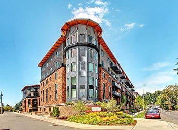 7977 170th Avenue NE Studio-4 Beds Apartment for Rent Photo Gallery 1