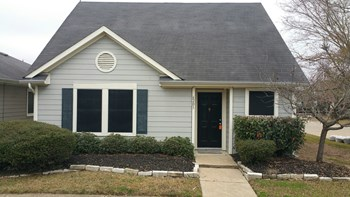 6203 Settlers Square Lane 3 Beds House for Rent Photo Gallery 1