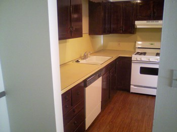 1210/1220 Northfield, N. E. 2 Beds Apartment for Rent Photo Gallery 1