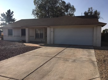 11602 N 67th Dr 3 Beds House for Rent Photo Gallery 1