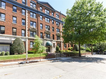 2755 Macomb St., NW 1 Bed Apartment for Rent Photo Gallery 1