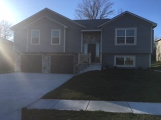 18413 E 20th Street Ct 4 Beds House for Rent Photo Gallery 1
