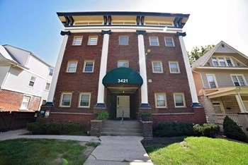 3421 Wyandotte 1-2 Beds Apartment for Rent Photo Gallery 1