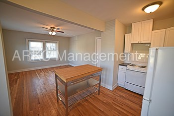 3713 Summit 1 Bed Apartment for Rent Photo Gallery 1