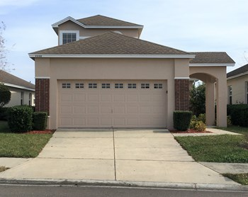 6998 Lake Eaglebrooke Drive 3 Beds House for Rent Photo Gallery 1