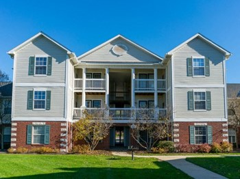 420 Munroe Falls Avenue 1-3 Beds Apartment for Rent Photo Gallery 1
