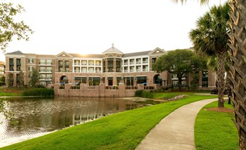 211 River Landing Dr. 1-2 Beds Apartment for Rent Photo Gallery 1