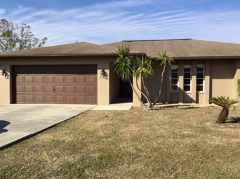 9163 Cypress Drive N 3 Beds House for Rent Photo Gallery 1