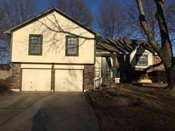 3821 NE Ellison Dr 3 Beds House for Rent Photo Gallery 1