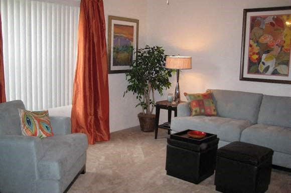 Village Square Apartments Photo Gallery 10