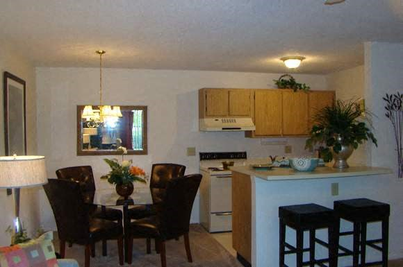 Village Square Apartments Photo Gallery 17