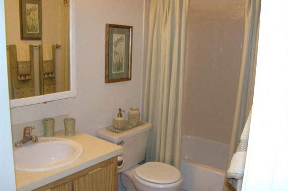 Village Square Apartments Photo Gallery 23