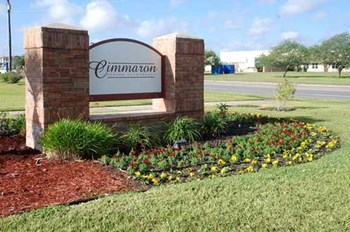 2802 Cimmaron Blvd. 1-2 Beds Apartment for Rent Photo Gallery 1