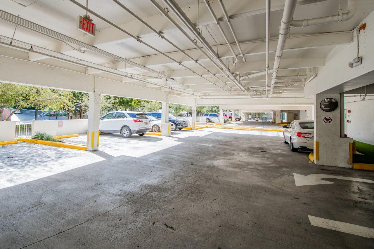 Zoom Gallery Legacy at The Roads property Image #33
