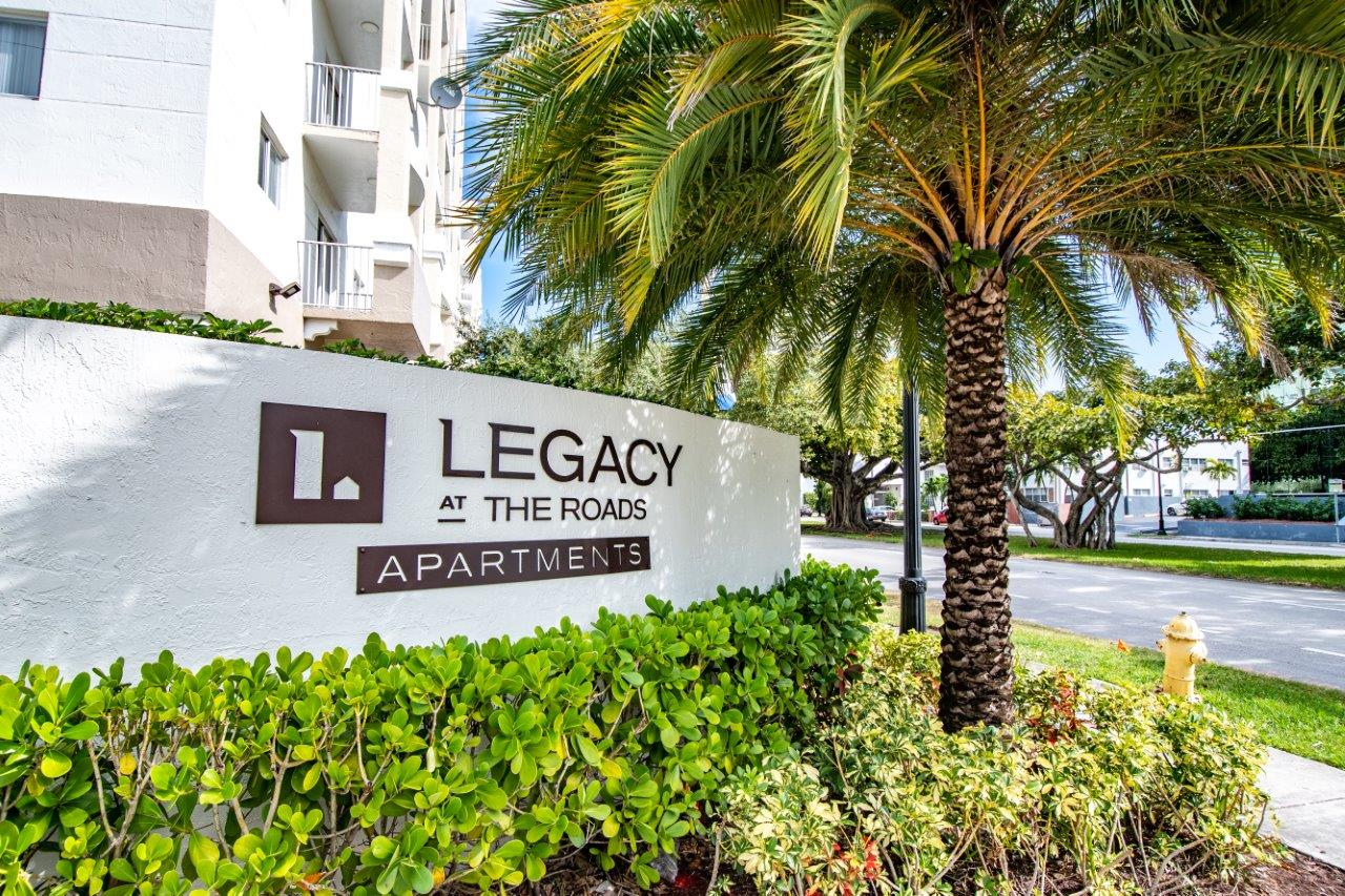 Zoom Gallery Legacy at The Roads property Image #9
