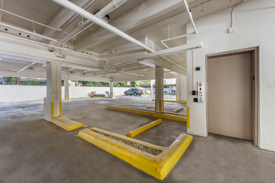 Zoom Gallery Legacy at The Roads property Image #12