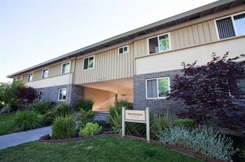 1065 Ranchero Way 1-3 Beds Apartment for Rent Photo Gallery 1