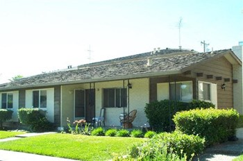1140 Starbird Circle 2-3 Beds Apartment for Rent Photo Gallery 1