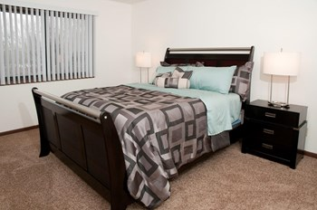 10101 Hwy 55 1-2 Beds Apartment for Rent Photo Gallery 1
