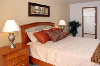 5220 Greystone Dr 3 Beds Apartment for Rent Photo Gallery 1