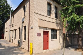 2428 19th Street NW 1 Bed Apartment for Rent Photo Gallery 1