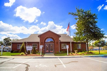 1101 Shady Oak Ct 1-2 Beds Apartment for Rent Photo Gallery 1