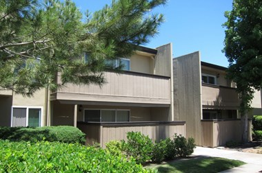 4451 Manzanita Ave Studio-2 Beds Apartment for Rent Photo Gallery 1