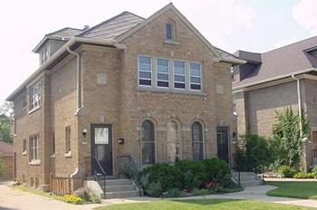 4141-4143 N. Bartlett 3 Beds Duplex/Triplex for Rent Photo Gallery 1
