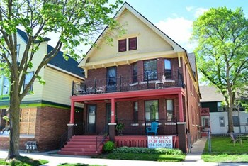909-911 E. Wright St. 2 Beds Apartment for Rent Photo Gallery 1