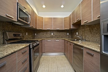 147 S. Doheny Drive Studio-2 Beds Apartment for Rent Photo Gallery 1