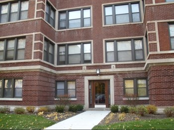 5528-5532 S. Everett Avenue Studio-2 Beds Apartment for Rent Photo Gallery 1