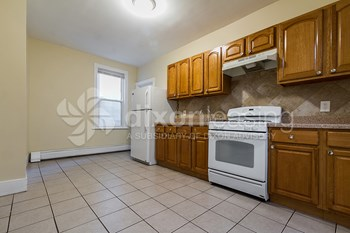 41 West 47th Street 2 Beds House for Rent Photo Gallery 1
