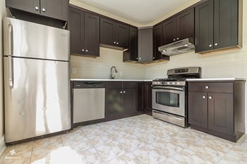 124 West 54th Street 3 Beds House for Rent Photo Gallery 1