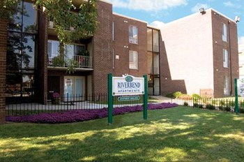 3313 C Street, SE 1-2 Beds Apartment for Rent Photo Gallery 1